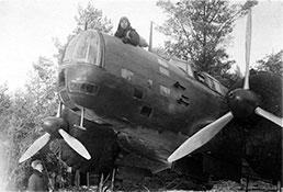 Капитан П.И.Хохлов всвоем ДБ-3.